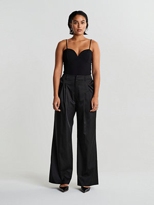 Gina Tricot svarta byxor Lova trousers