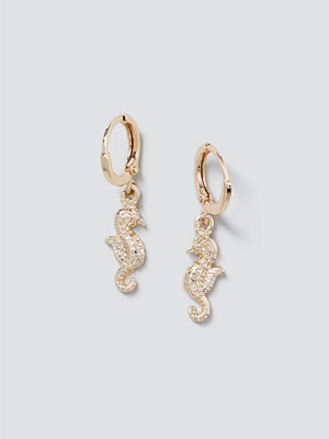 Gina Tricot smycke Gold Seahorse Drop Earrings