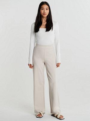Gina Tricot vita byxor Laura high waist trousers