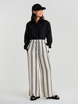 Gina Tricot randiga byxor Disa PETITE trousers