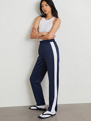 Gina Tricot omönstrade byxor Mona trousers