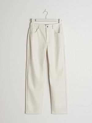 Gina Tricot byxor 90s PU PETITE trousers