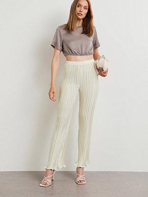 Gina Tricot vita byxor Anina pleated trousers