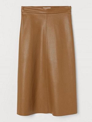 H&M Kjol i läderimitation beige