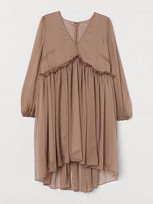H&M H & M+ Chiffongklänning beige