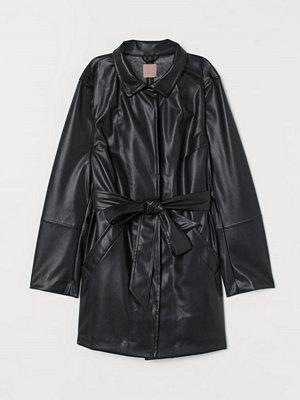 H&M H & M+ Kappa i läderimitation svart