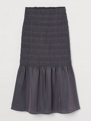 H&M Smockad kjol i silkesmix grå
