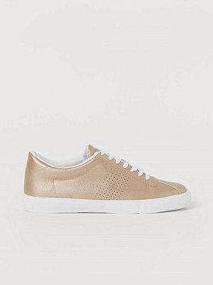 Sneakers & streetskor - H&M Sneakers guld