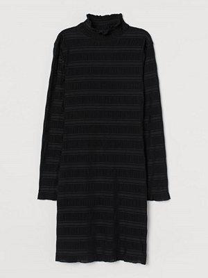 H&M Klänning med halvpolo svart
