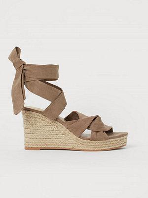 H&M Sandaletter med kilklack beige