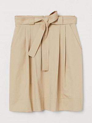 H&M Kjol med knytskärp beige