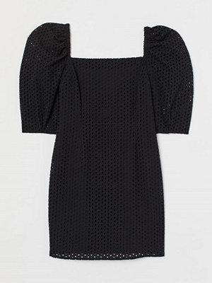 H&M Klänning med broderie anglaise svart