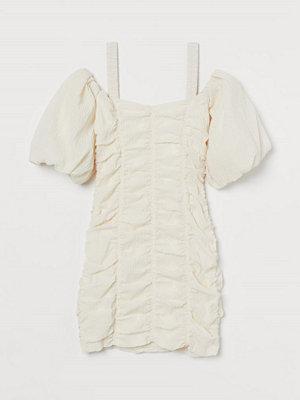 H&M Cold shoulder-klänning beige