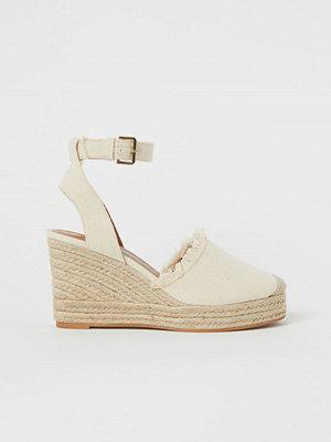 H&M Sandaletter med kilklack vit