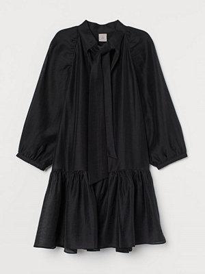 H&M Klänning i lyocellmix svart