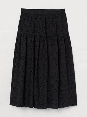 H&M Kjol med broderie anglaise svart