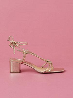 H&M Sandaletter i läder guld