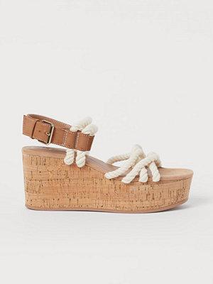 H&M Sandaler med kilklack beige