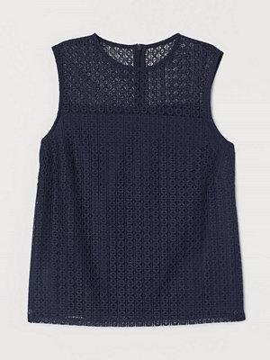 H&M Ärmlös spetsblus blå