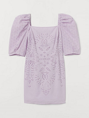 H&M Klänning med broderie anglaise lila