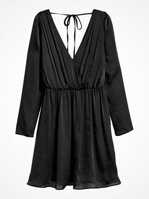 H&M Chiffongklänning svart