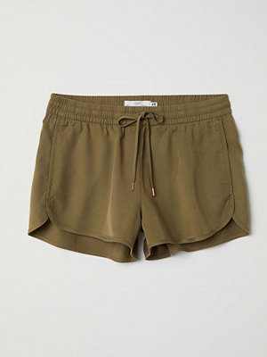 H&M Shorts i lyocell grön