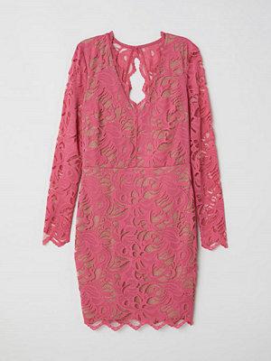 H&M Figurnära spetsklänning rosa