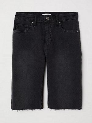 H&M Knälånga jeansshorts grå