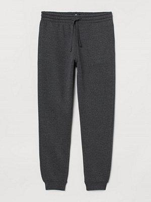 Byxor - H&M Sweatpants Regular Fit svart