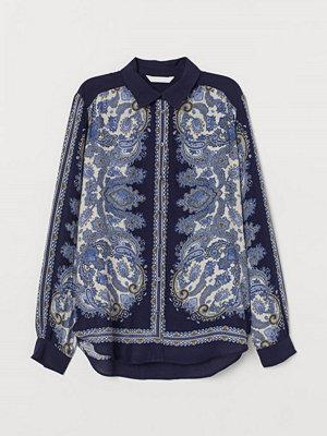 H&M Mönstrad blus blå