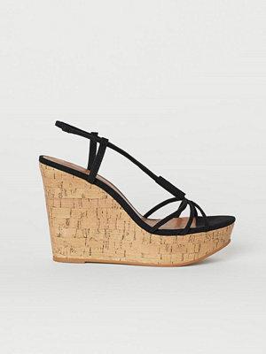 H&M Sandaletter med kilklack svart