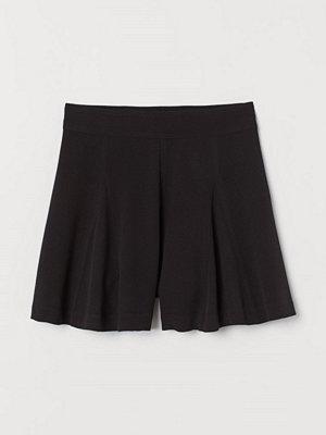 Shorts & kortbyxor - H&M Vida shorts svart