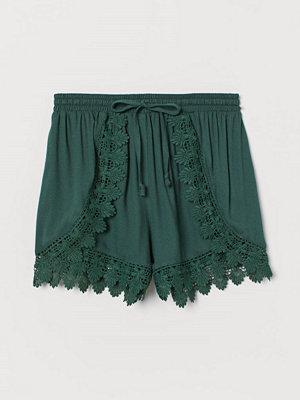Shorts & kortbyxor - H&M Shorts med spets grön