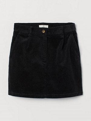H&M Kort kjol i manchester svart