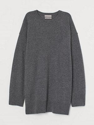 H&M Oversized tröja i kashmir grå