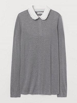 H&M MAMA Stickad tröja med krage grå
