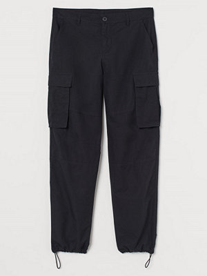 Byxor - H&M Cargobyxa Regular Fit svart