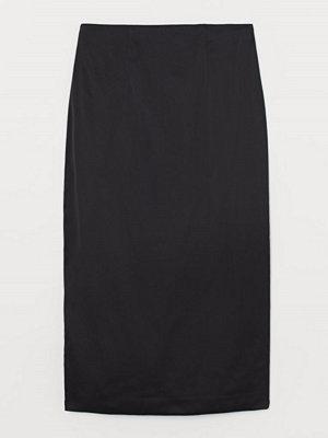 H&M Kjol i sidenmix svart