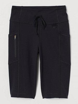 Shorts & kortbyxor - H&M Cykelbyxa med fickor svart