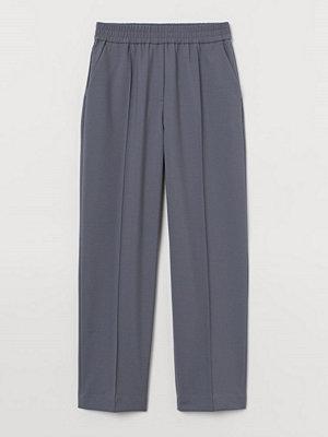 H&M grå byxor Dressad byxa i ullmix blå
