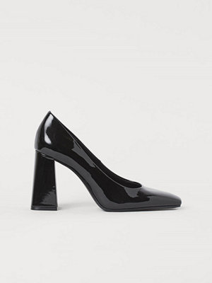 H&M Lackade pumps svart