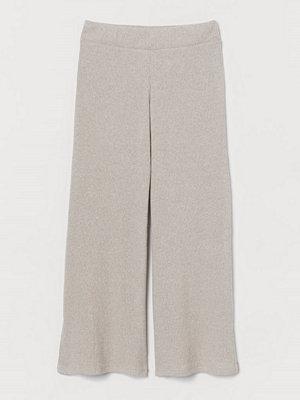 H&M ljusgrå byxor Ribbad byxa beige