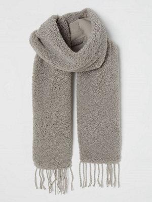 H&M Halsduk i pile grå
