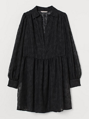 H&M Klänning med puffärm svart