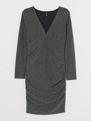 H&M H & M+ Glittrig klänning grå