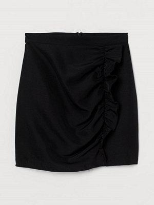 H&M Kjol med volang svart