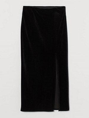 H&M Velourkjol med slits svart