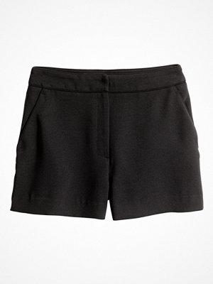 Shorts & kortbyxor - H&M Crêppade shorts svart