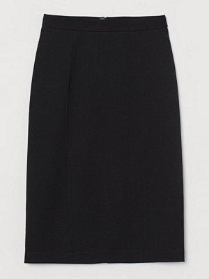 H&M Knälång pennkjol svart