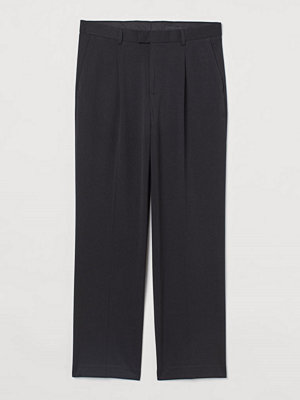 H&M Kostymbyxa Straight Fit svart